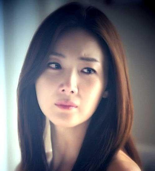 韓国女優チェ・ジウの画像
