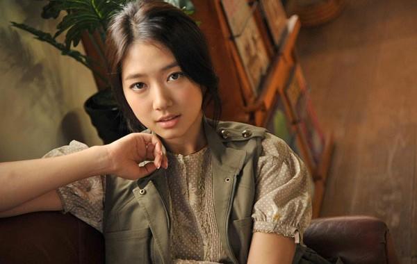 韓国女優パク・シネの画像